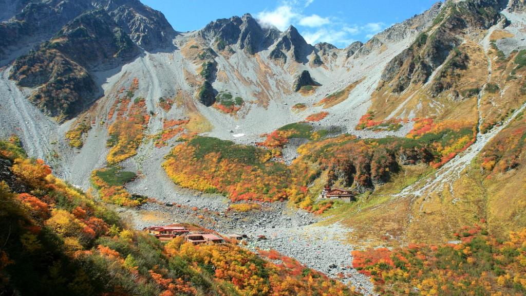 秋の涸沢全景