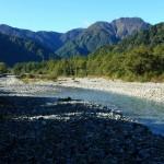 秋の梓川(フルHD1920x1080ワイド壁紙)