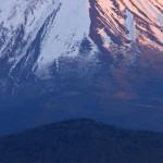 精進湖から富士山を望む(フルHD1920x1080ワイド壁紙)