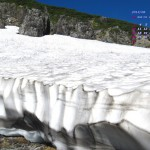 北アルプス、真夏に残る雪渓(2014年8月カレンダー)