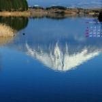 湖面に写る富士山