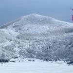 白のグラデーション(厳冬期九重連山稲星山)
